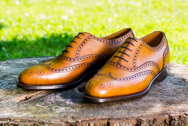 bespoke wingtip brogue shoes