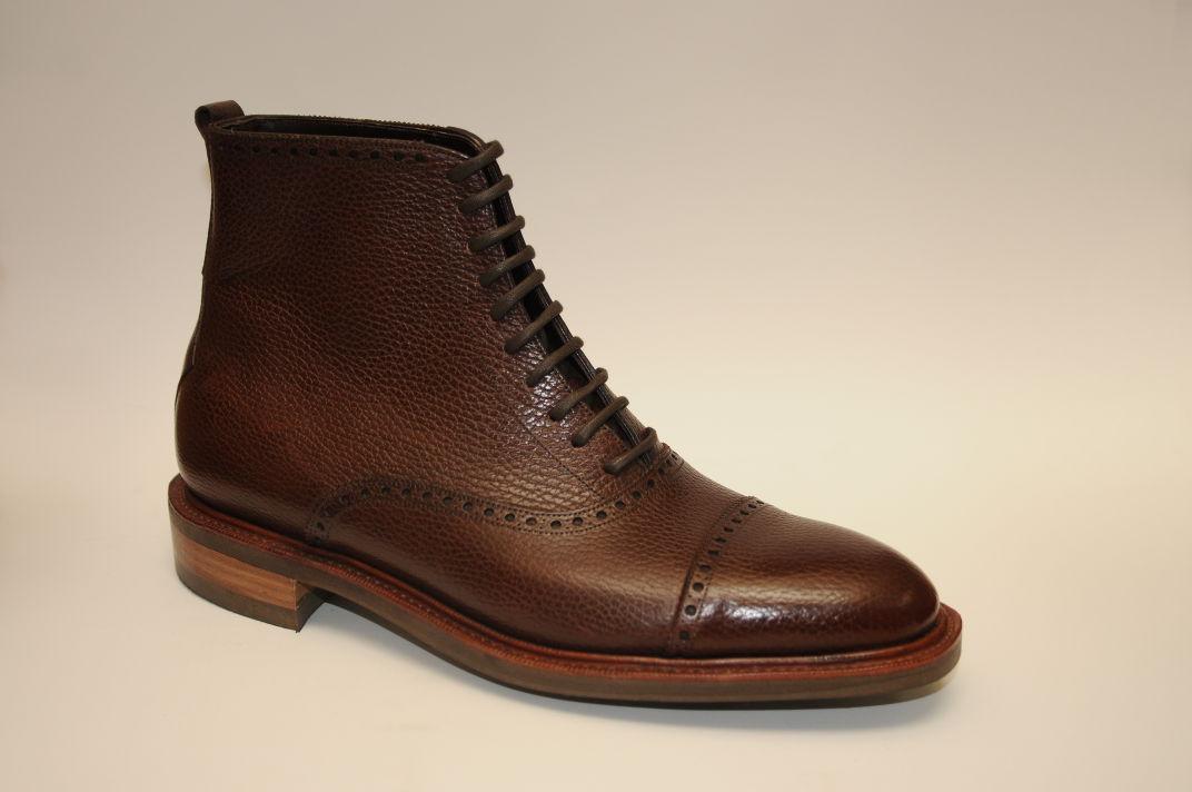medallion cap toe bespoke boot